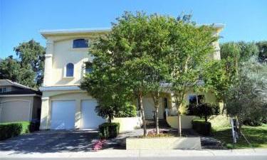 7728  Silva Ranch Way, South Land Park, California